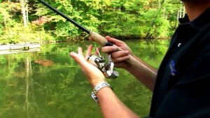 line-twisting-on-spinning-reel