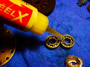 bersihikan-gris-dan-minyak-lama-dengan-corrosion-x